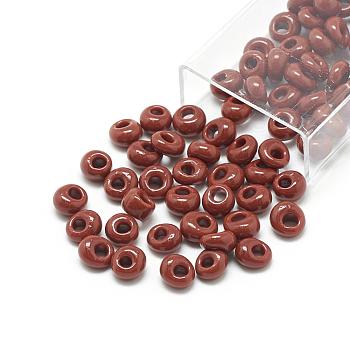 Cuentas de semillas de flecos japoneses toho, vidrio opaco ronda agujero rocailles semilla cuentas, saddle brown, 6x5.5~5.8mm, agujero: 2 mm, aproximamente 33 unidades / 10 g